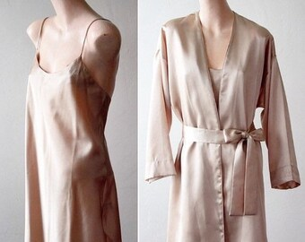 96b995e4794 Sexy Savings 50% off Now Valentino Bride Robe Satin Robe Dressing Gown  Chemise Beige Nude Champagne Short Lingerie Coat Brides Robe Set Wedd