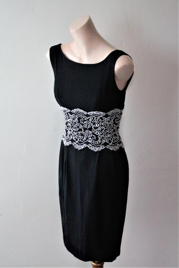 SAVE 50% NOW Audrey Hepburn Dress Bridal Lace Top… - image 3