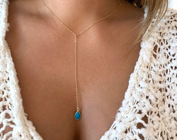 Dainty Lapis Clover Necklace