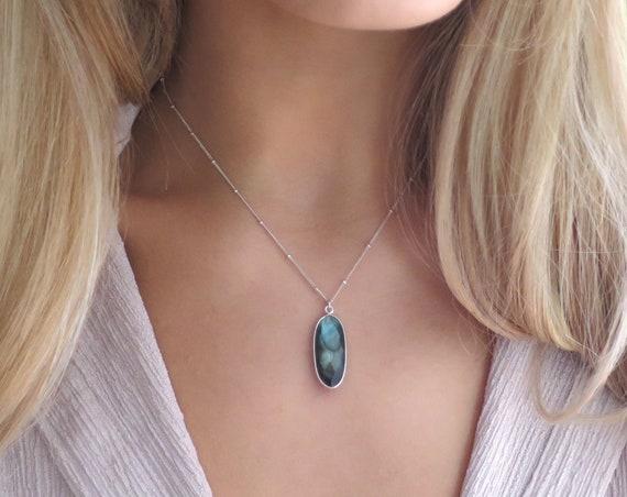 Sterling Silver Labradorite Oval Necklace