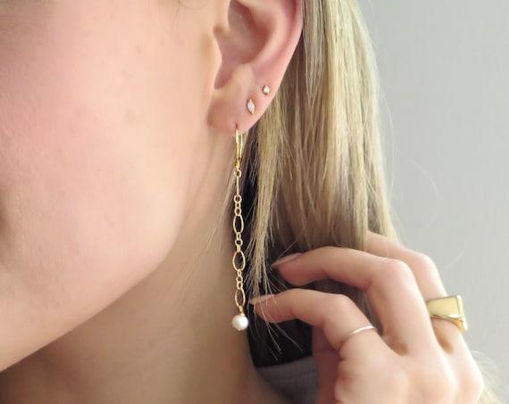 Black or White Pearl Dangle Earring