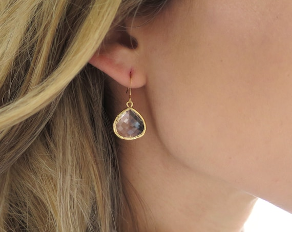 Dainty Gold Teardrop Earrings