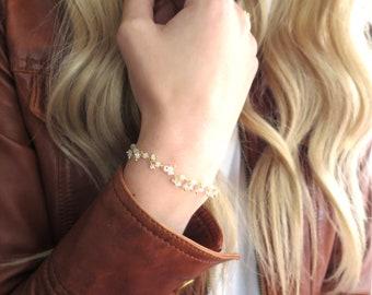 Gold Moonstone Bracelet Gold, Gold Stacking Bracelet, Dainty Gold Bracelet, Moonstone Jewelry, Moon Stone Bracelet Simple, Beaded Moonstone