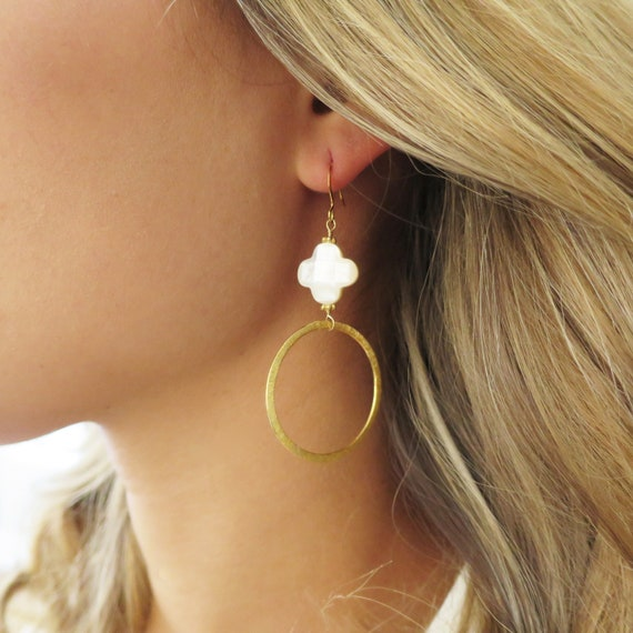 Trefoil Gold Hoop Earrings