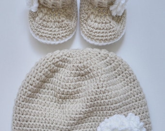 baby girl set, hat and booties, crocheted set