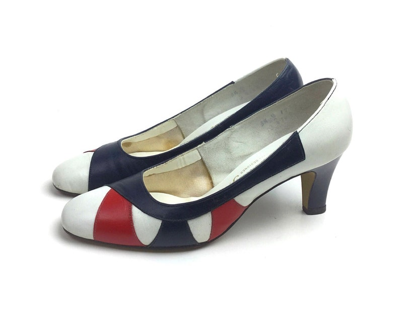aff65e4963c Size 5.5 shoes 60s shoes 1960s shoes 4th of July shoes red