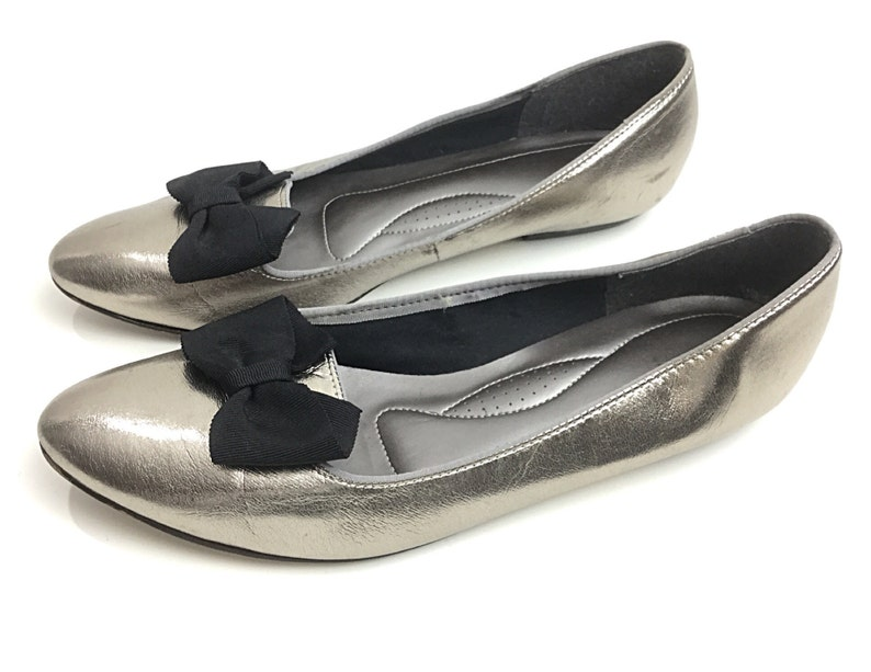 f7a9c275f Womens silver shoes size 95 silver flats bow front shoes | Etsy