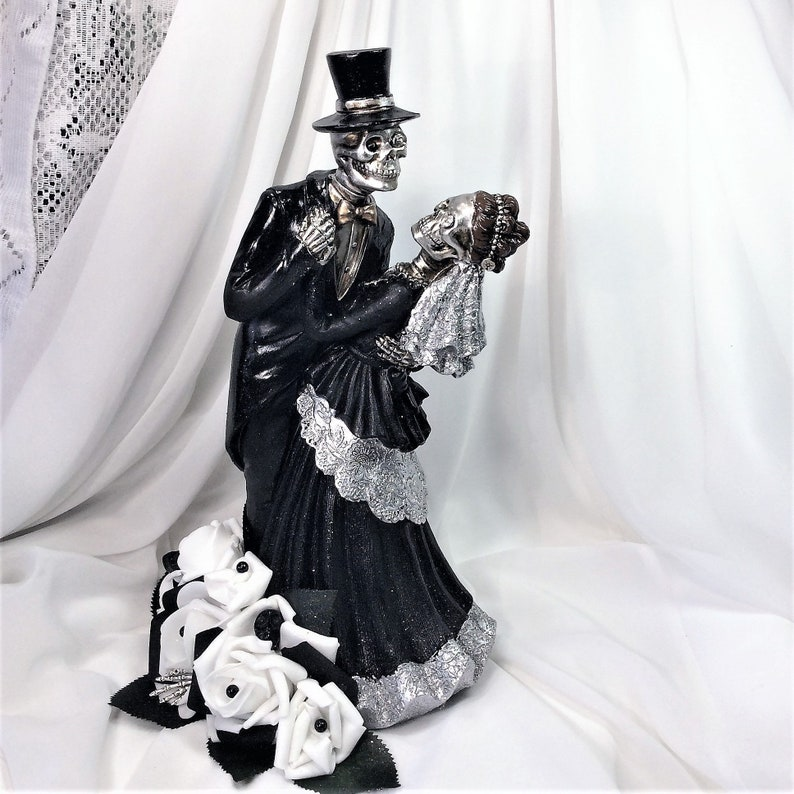13/'/'x 9/'/' Skeleton Wedding Couple Dancing-Made to Order-Custom Painted-Hair-Clothing-Flowers-Wedding Centerpiece-Cake Topper-Home Decor