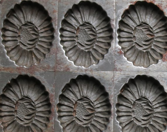 Létang Fils, French Chocolate Mold of Flowers