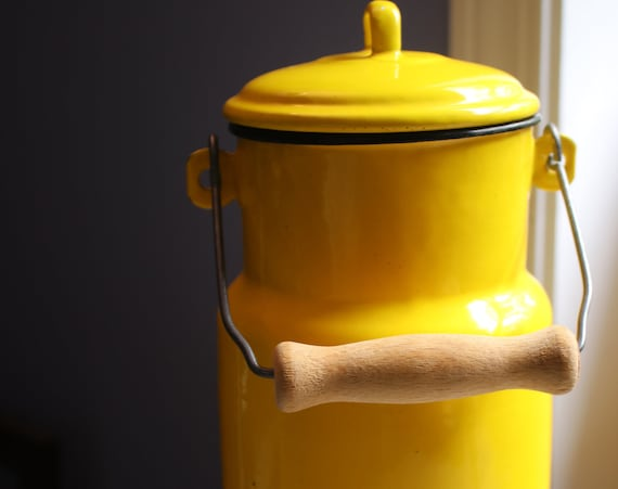 Yellow, Enamel, Two Liter Canister