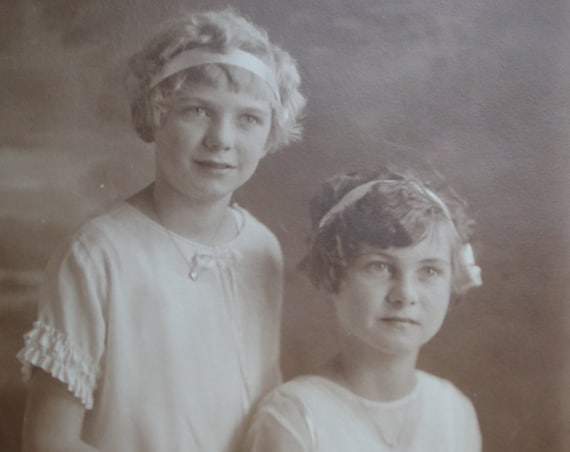 Vintage Cabinet Card Portrait of Sisters