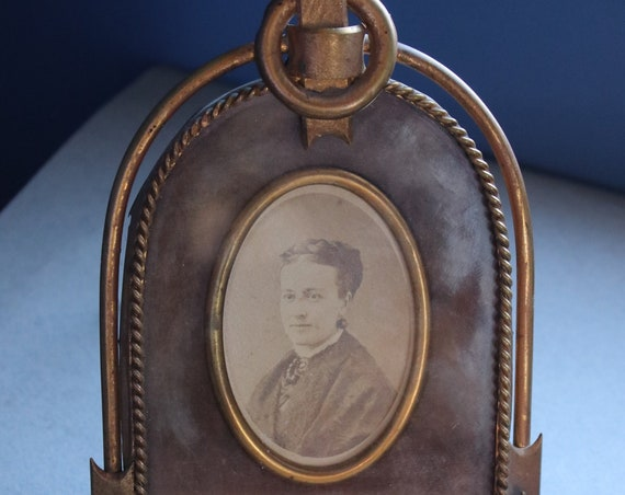 Antique Picture Frame with Carte de Visite by Francis Forshew of Hudson, New York