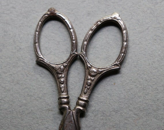 Antique, French Needlework Scissors with Floral Motif