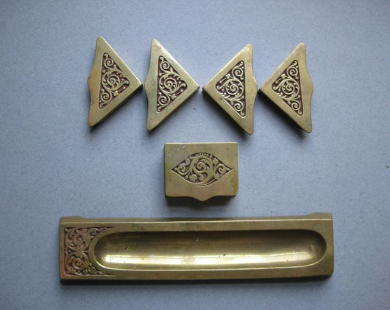 Antique Brass, Bradley & Hubbard, Art Nouveau (Jugendstil), Brass Desk Set: Blotter Corners, Stamp Holder, and Pen Tray