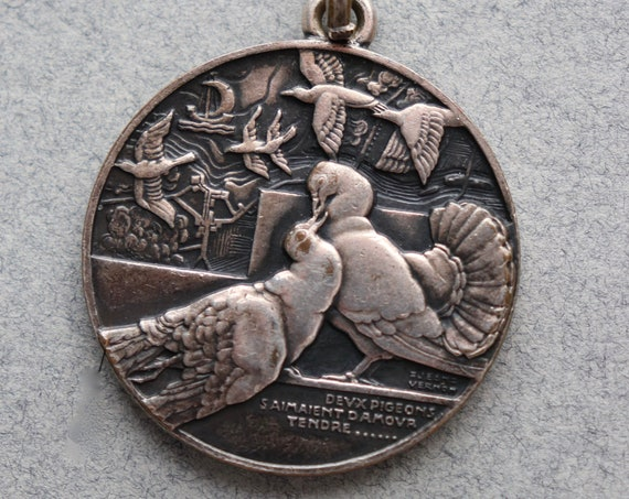 """French, Bronze Pendant of Fontaine Fable """"Two Pigeons"""" by Engraver Jean Vernon (1897-1975)"""