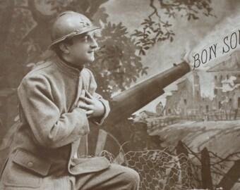 """Bon Souvenir, """"Good Memories"""" French, Circa WWI Era Postcard"""