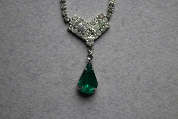 Rhinestone and Drop Emerald Choker