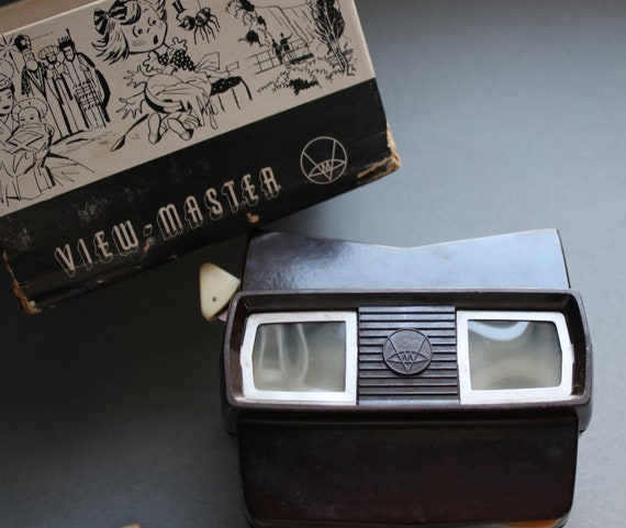 Model E, Sawyer, 3-Dimension, Bakelite View-Master with Mother Goose and Peter Pan Reels, Production Era 1955-1960