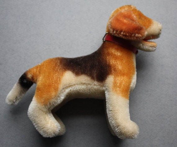 Limited Edition 1965-1966 Steiff FAO Schwarz Standing Beagle with Open Mouth