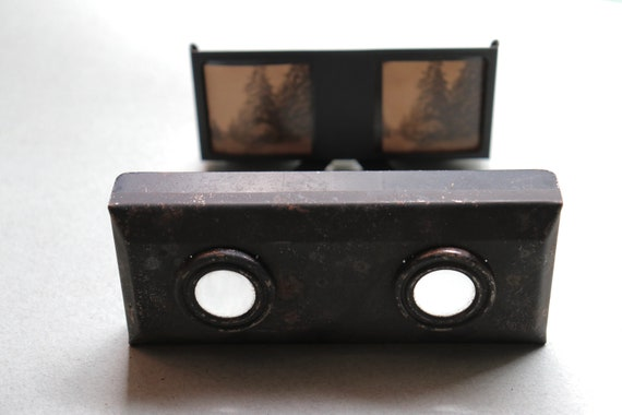 Antique German Collapsible Stereoscopic Viewer with Images in Original Box