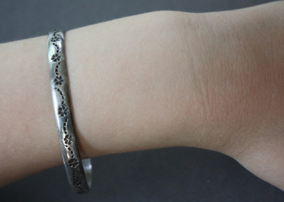 Solid Sterling Hallmarked Silver Bangle with Floral Motif Made in Mexico City by ECM