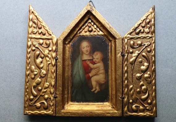 """Raphael's """"Madonna of the Grand Duke"""" Triptych"""
