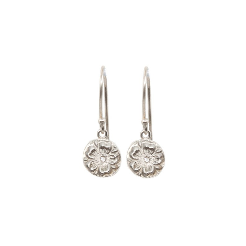 Hanging Pretty Flower Earrings in Silver or Gold Light image 0