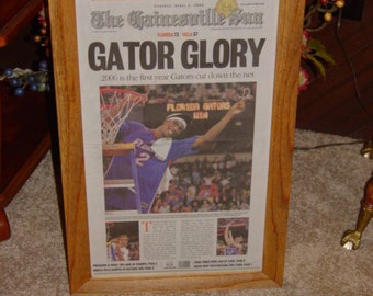 FREE SHIPPING Rare University of Florida custom framed solid cedar original newspaper 2006 NCAA champions souvenir edition