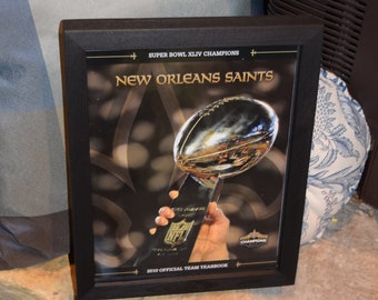FREE SHIPPING Rare New Orleans Saints Original 2010 Yearbook Super Bowl XLIV Champions Deep Profile Frame Solid Dark Cedar