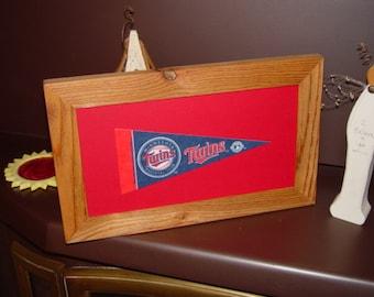 FREE SHIPPING Man cave custom framed solid cedar Minnesota Twins pennant sign oak finish country rustic bar display