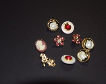 FREE SHIPPING Scrapbook craft embellishment buttons Victorian 9 count