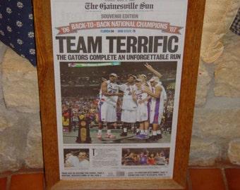 FREE SHIPPING Rare University of Florida custom framed solid cedar original newspaper 2007 NCAA champions souvenir edition