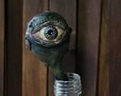 Eye on a stem | Creepylic...