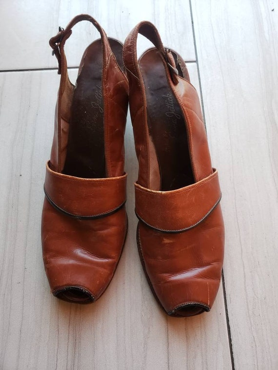 1940s brown leather slingback sandals