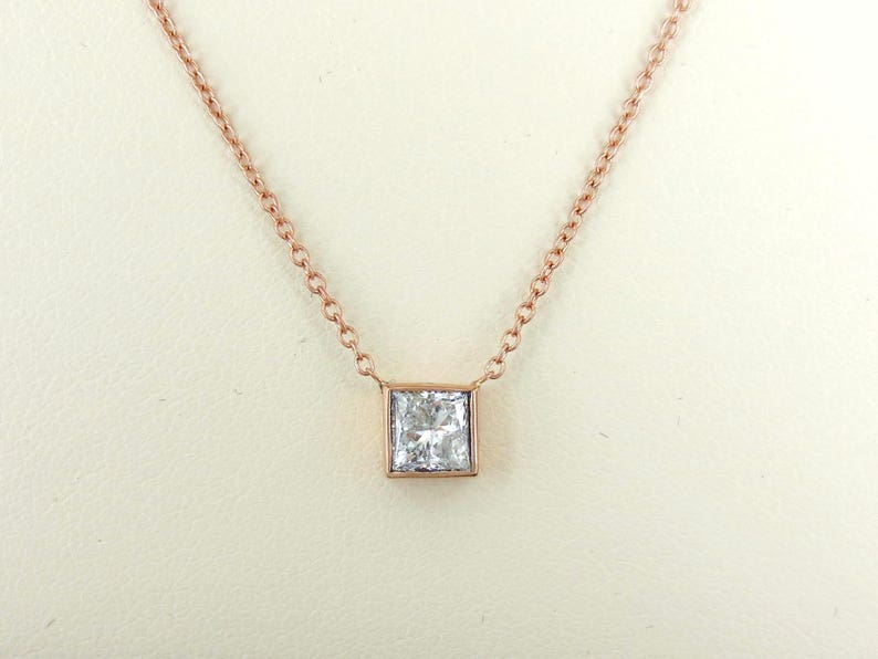 a6f6a70edc4fd 0.46cts Princess-cut Diamond Solitaire Pendant Necklace - GIA Dossier