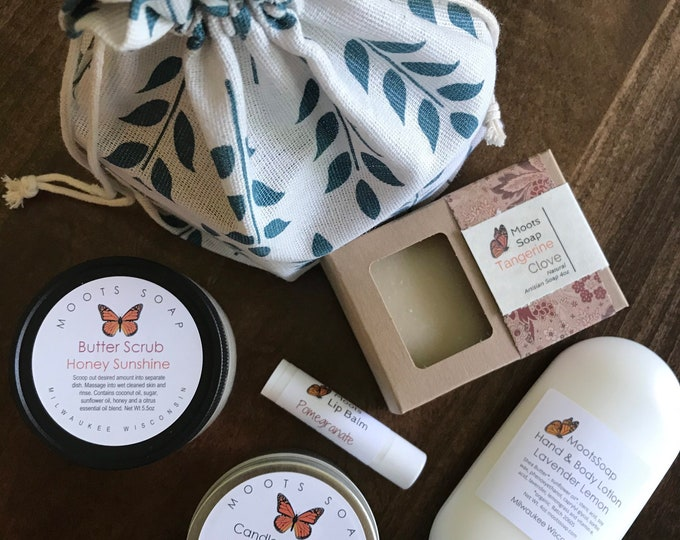 Featured listing image: Bath and Body Gift Set