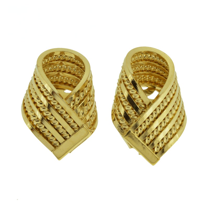 25899e2245af0 bold vintage gold tone textured linear stripe stripey rope twist design  unusual clip on metal earrings designer style