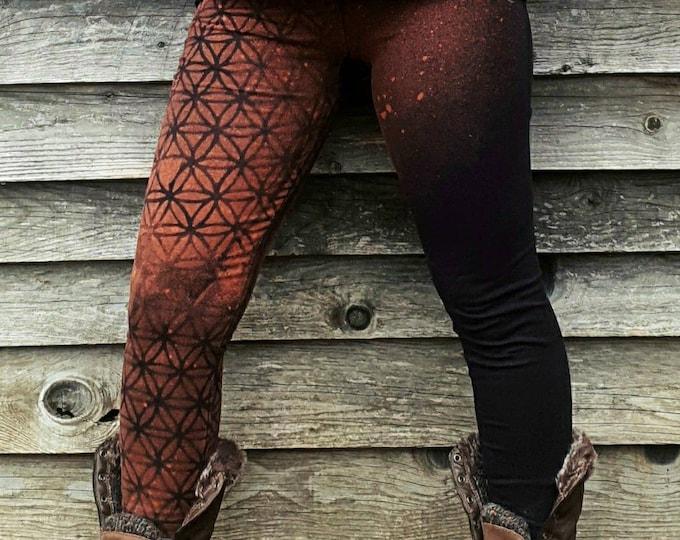 Featured listing image: Legging femme NAHDÖR fleur de vie décolorée.