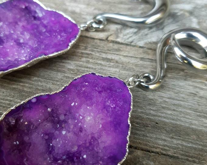 Featured listing image: Poids d'oreilles pendants pierre cristallisée NEBULÄ