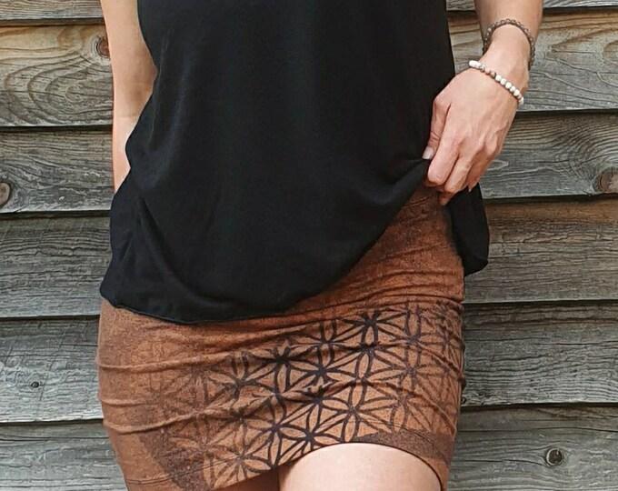 Featured listing image: Mini jupe LEYHA motifs mystiques décolorés
