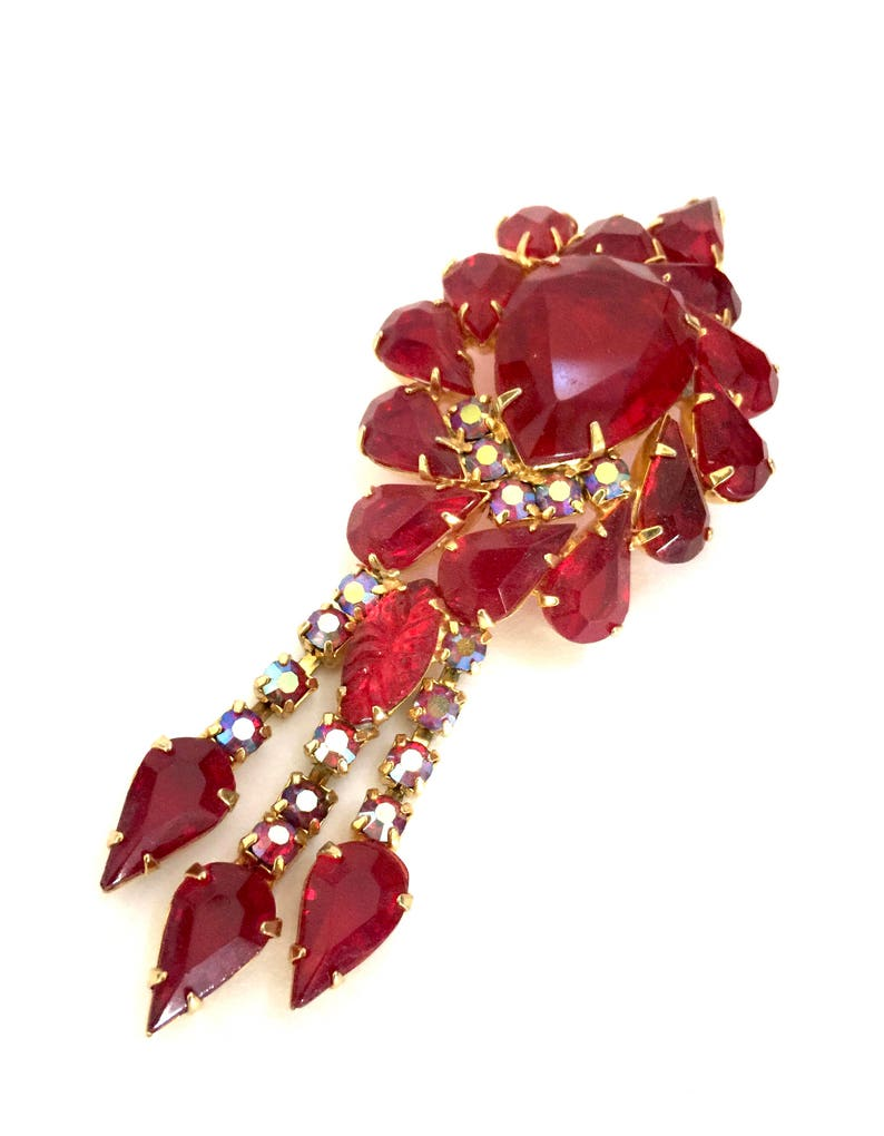 Vintage Jewelry Dangle Juliana D/&E Statement Brooch Gold Tone Metal Red AB Accents Huge Siam Red Rhinestone BroochPendant