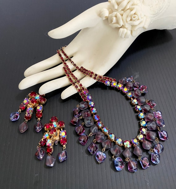 Vintage Necklace /& Earrings Set Purple Rhinestone and Givre Glass Dangles