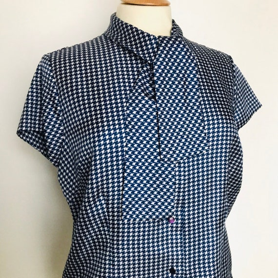 1960s blouse, houndstooth, silky, blue, dogtooth,pussybow,shirt top Mod sexy secretary UK 14 plaid 60s,st michael