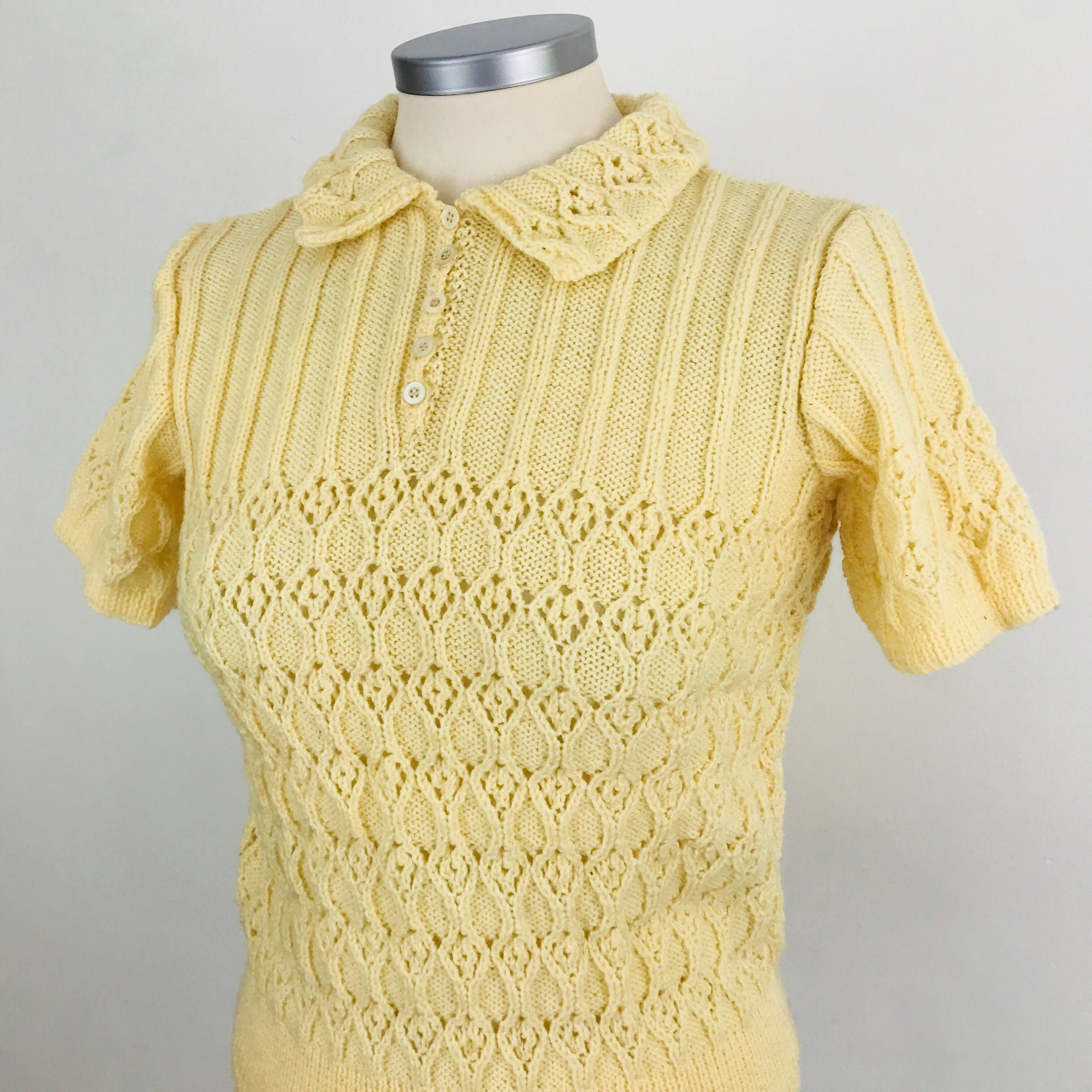 Vintage knitting, handknitted sweater, cream wool, collar, short