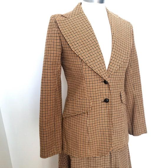 vintage suit,70s does 40s,Edwardian,Biba style,plaid,tweed,wool mix,winter suit,1970s suit,UK 10,skirt,jacket,acetate,A line