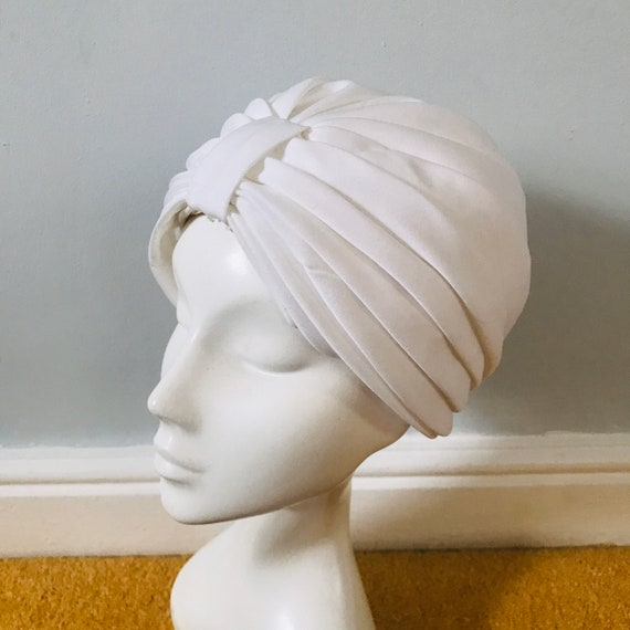 Vintage turban, white turban, 1970s turban,boho hat, vintage headpiece, glam, white hat, hippie, grey gardens