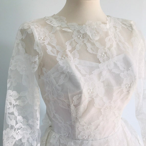 Vintage wedding dress, 50s bride, vintage lace, 1950s dress, small, UK 6 8, 60s lace wedding dress white full length, big bow