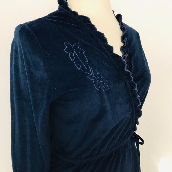 Vintage robe, navy blue velour, dressing gown 1980s long maxi housecoat 70s frilly, nightwear UK 12 10 bow tie velvety