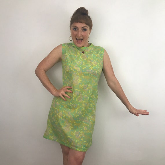 1960s dress, vintage mini dress, shift dress, UK 12, Mod dress, flower power, acetate, festival Scooter Girl, lime green
