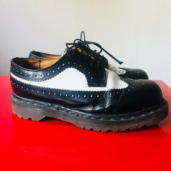 Vintage brogues, vintage Doc Martens, Dr Martens, spectators, chunky, leather lace up shoes black white leather flat UK4 EU 37